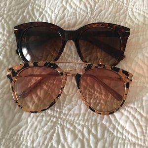 Set of 2 pairs of sunglasses 😎